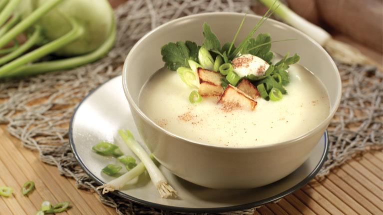 kohlrabi sellerie cremesuppe mit tofu rezept suppen von gesund aktiv. Black Bedroom Furniture Sets. Home Design Ideas